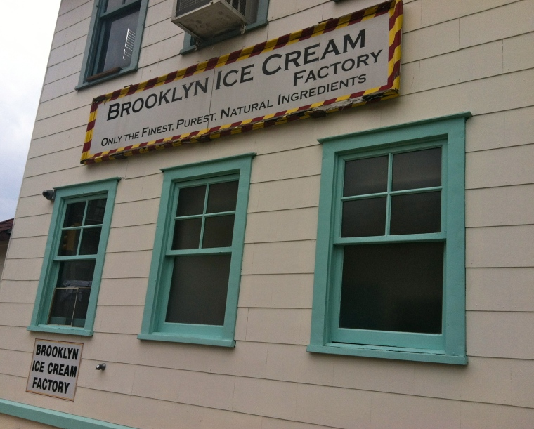 ^^ A super cute ice cream shop in Dumbo, Brooklyn, that Faye and I happened upon when we were wedding dress shopping for her.