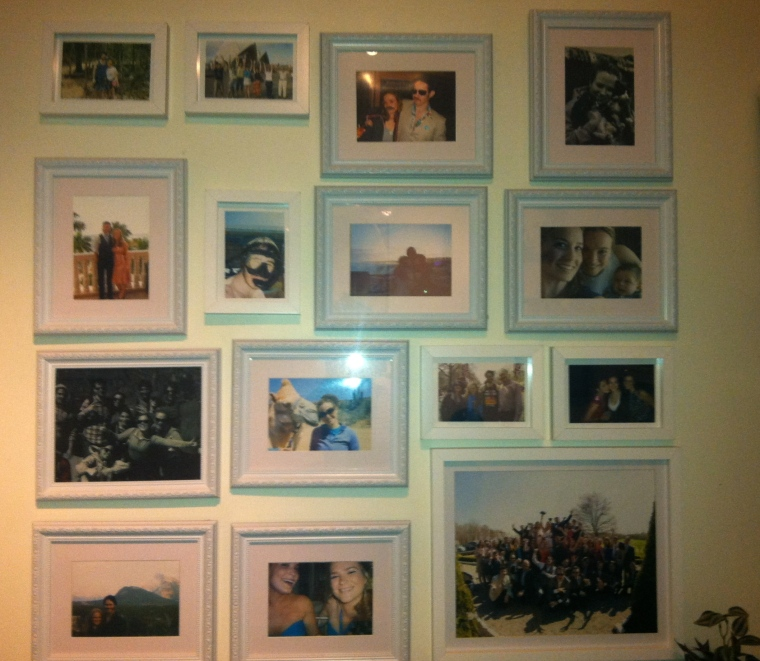 ^^ FINALLY finished our photo wall this weekend when we picked up our friend wedding photo shot from my mom!